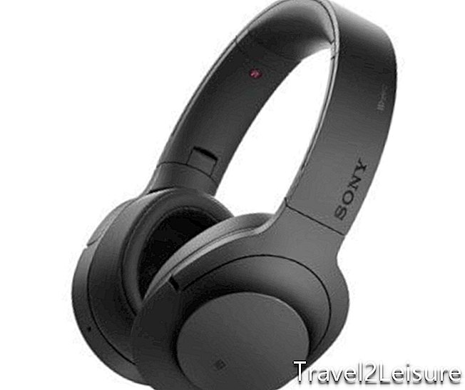 sony-hear-on-wireless-nc-headphones-from-dixons-travel